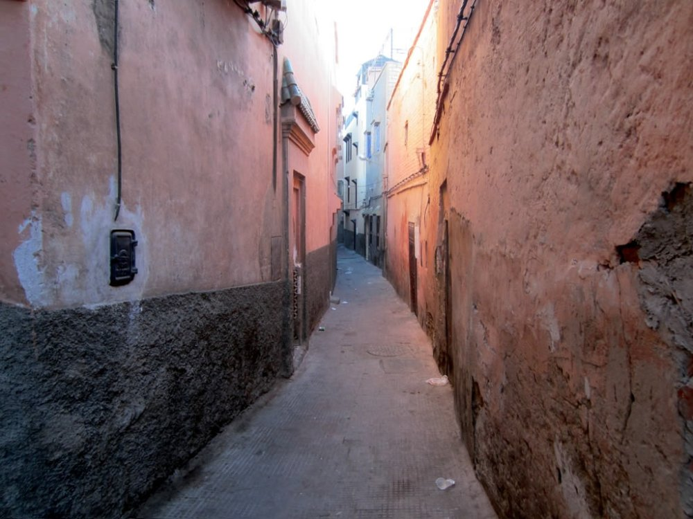 alley_in_marrakesh_28685819981529